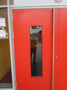 Graffitientfernung Oldenburg Bremen OBS Ofenerdiek Forum Tür 2 006