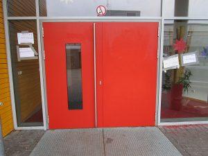 Graffitientfernung Oldenburg Bremen OBS Ofenerdiek Tür Mensa 2 001
