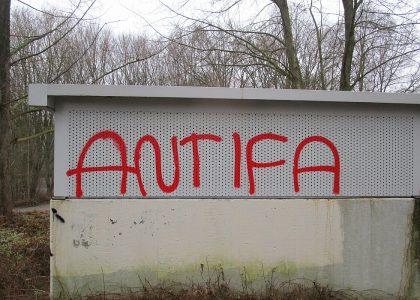 Graffitientfernung Oldenburg Bremen Schulen Oldenburg vorher 008